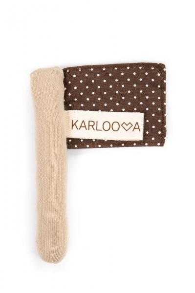 Karloova Flag-Brown Dots