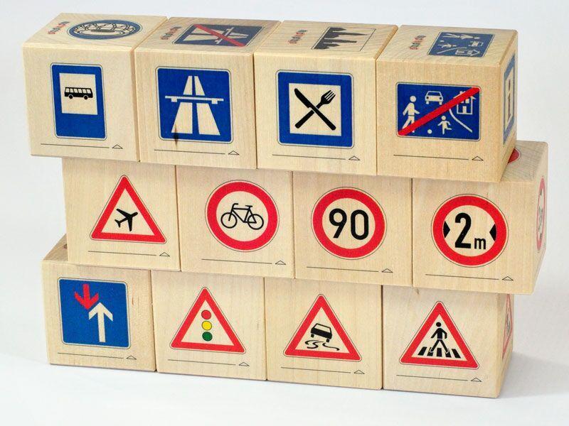 Holzblöcke Verkehrszeichen