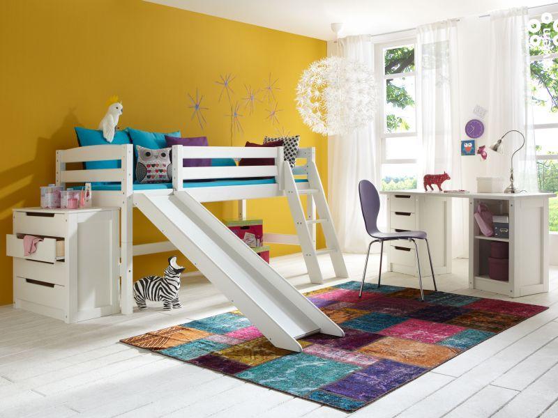 Poolkõrge voodi PERI liumäe, riiuli ja tekstiilidega, valge