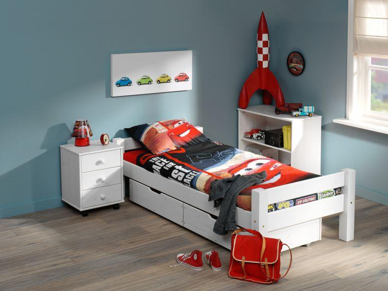 Bed drawer on wheels