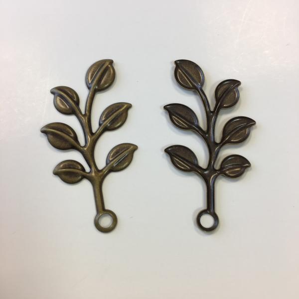 Metallist pronks oks lehtedega 4cm 1tk