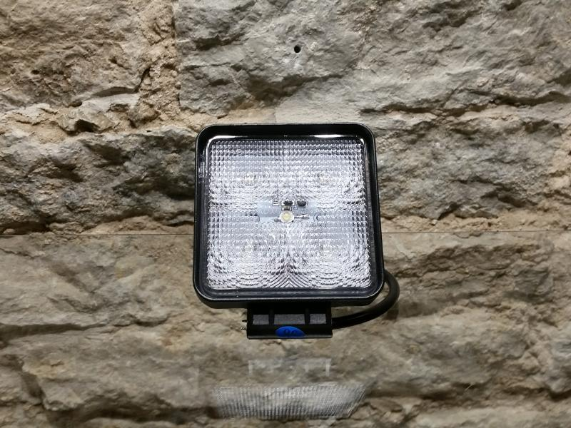 LED-töötuli, 12-30V, 5X3W Epistar-LED, polükarbonaatklaas