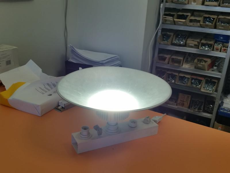LED lamp refelektoriga 30W E27