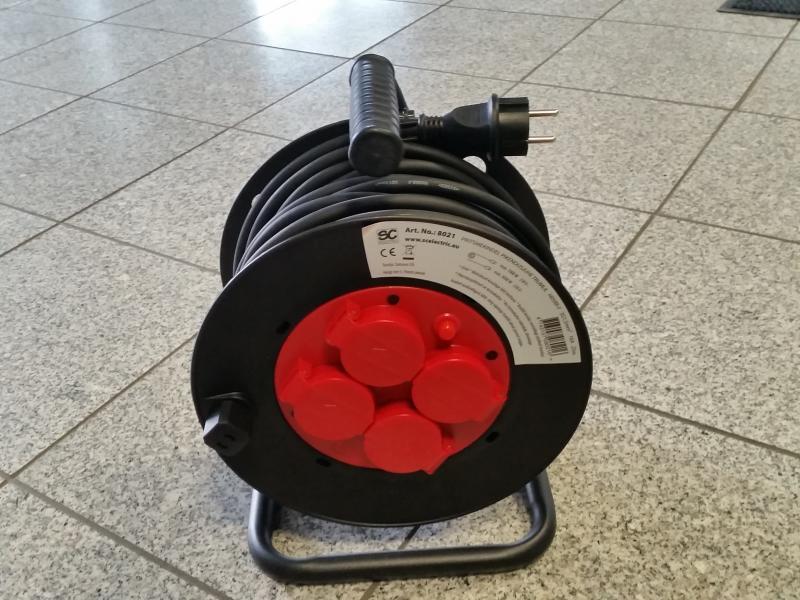 Pikendusjuhe trumlil pritsmekindel 25m, 3G1,5mm² 16A kummikaabliga