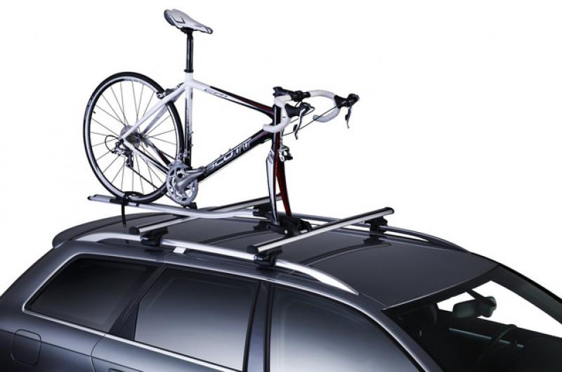 Bicycle holder with Thule OutRide 561 front fork mount