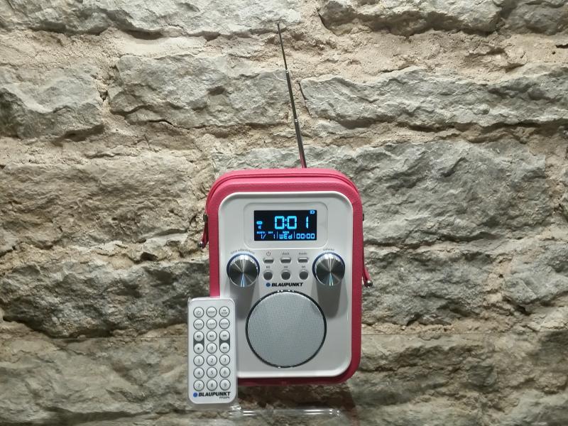 Kaasaskantav raadio Blaupunkt akutoitega punane PP20PK
