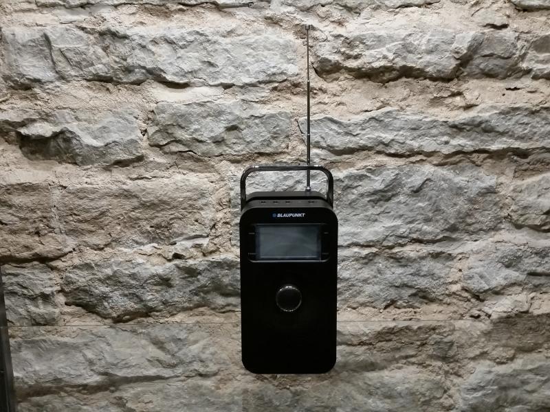 PP10BK Kaasaskantav raadio FM PLL SD/USB/AUX akutoitega
