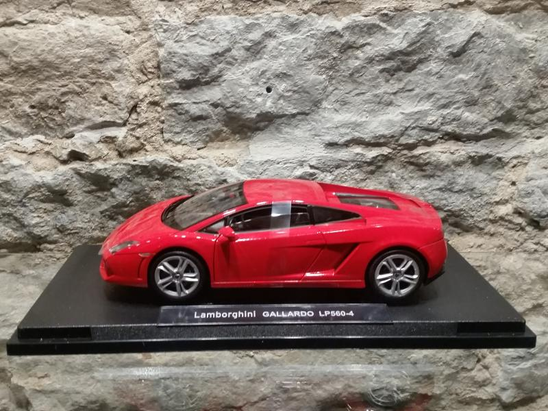 Lamborghini Gallardo mudel 1:18 Welly