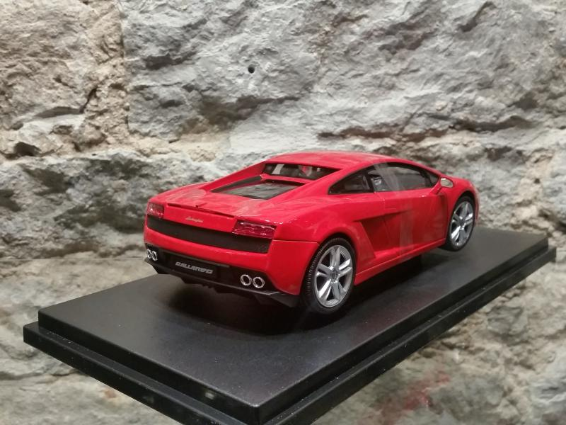 Lamborghini Gallardo mudel 1:18 Welly