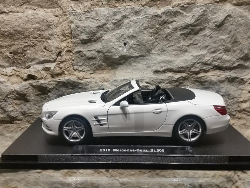 Mercedes-Benz SL500 mudel 1:18