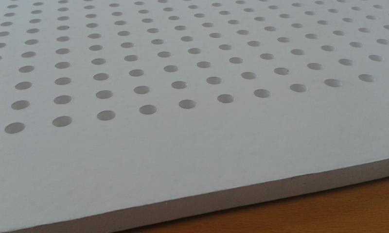 Akustiline kipsplaat 60x60x0,95cm (värvitud)
