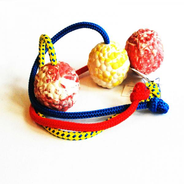Raddog kummist pall 6cm , nööriga