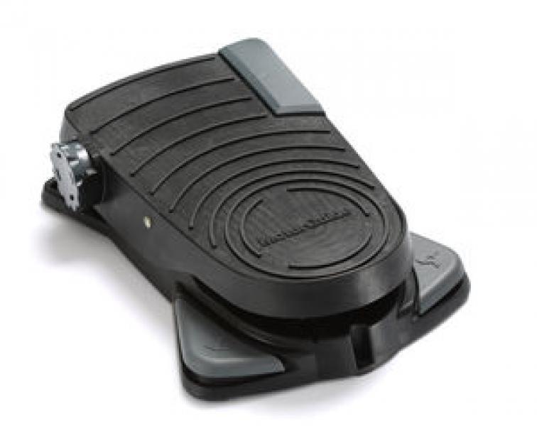 """Электрический кормовой ГПС мотор MOTORGUIDE Xi5-105FW 60"""" 36V FP SNR GPS пульт и педаль дистанционного управления, встроенный дачик эхолота, черного цвета, пресная вода"""